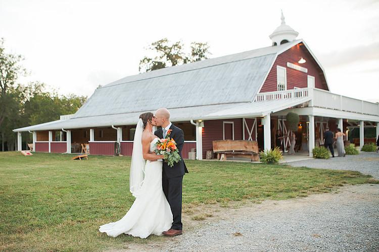 alabama_barn-wedding-venue_cove-acre-farms