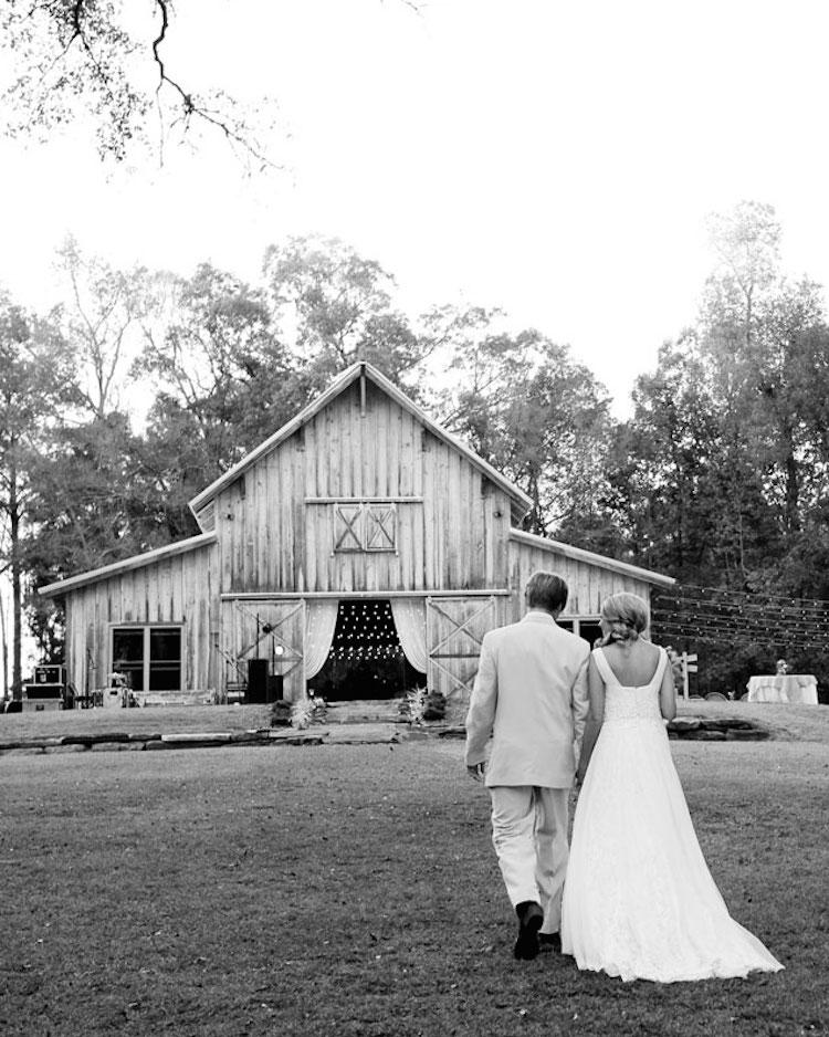 Top Barn Wedding Venues | Alabama - Rustic Weddings