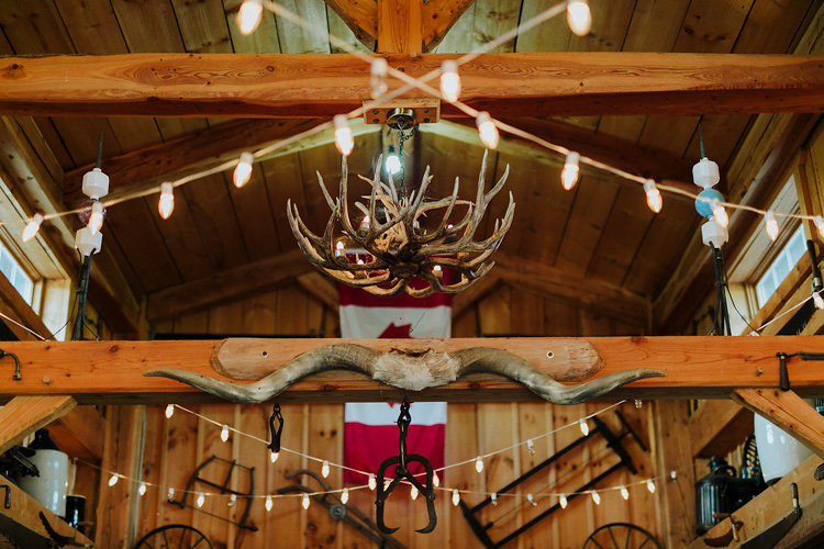 adobebridgebatchrenametemp6canada_rustic-barn-wedding_18