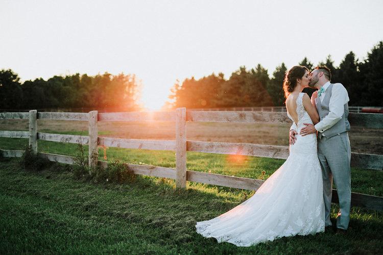 adobebridgebatchrenametemp8canada_rustic-barn-wedding_10