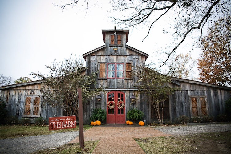barn-wedding-venue-tennessee-heartwood-hall