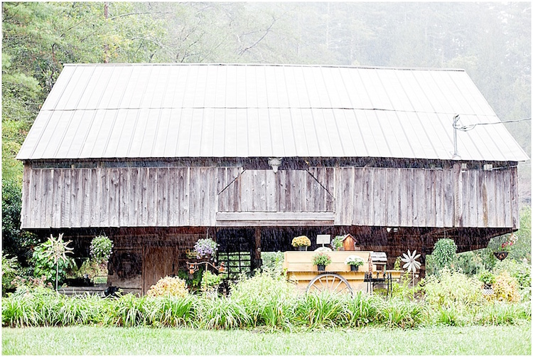 barn-wedding-venue-tennessee-lily