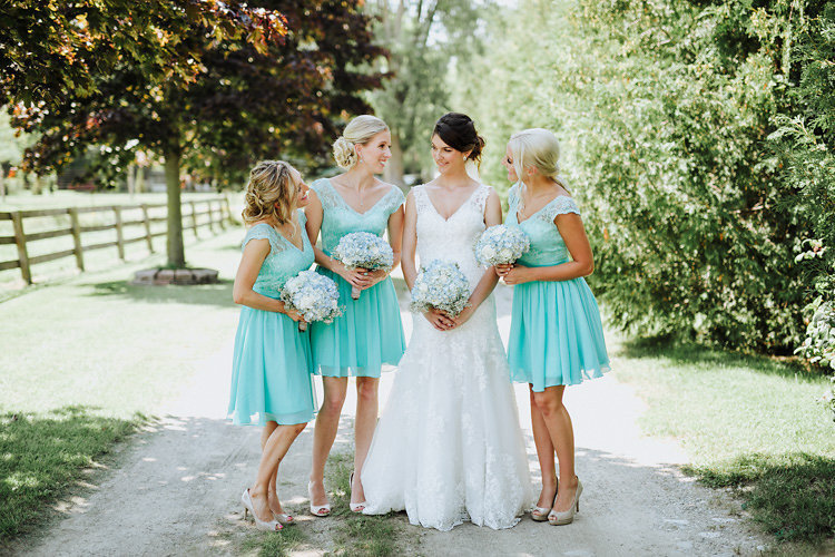 canada_rustic-barn-wedding_11