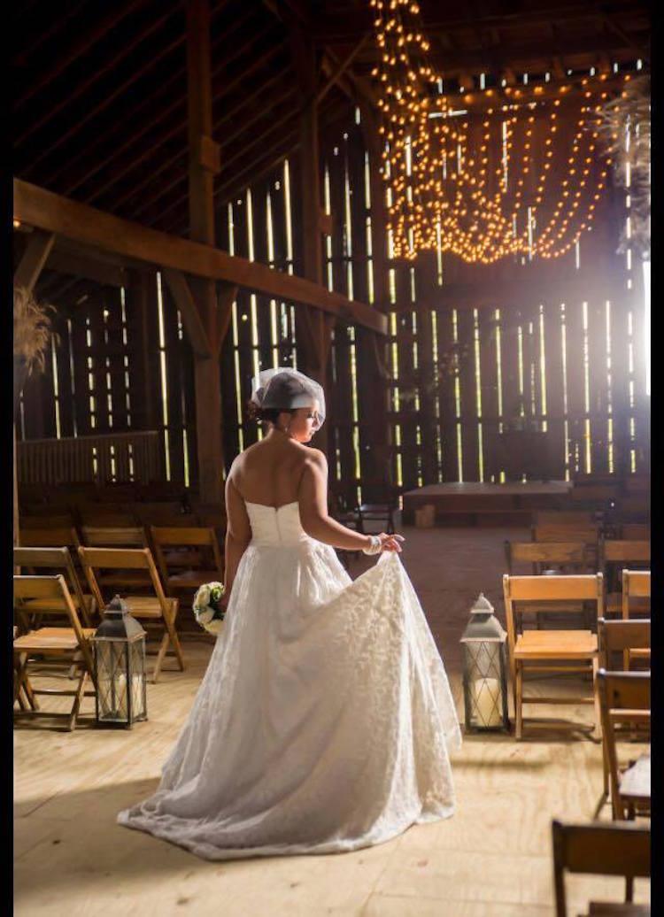 indiana_barn-wedding-venue_on-boundary