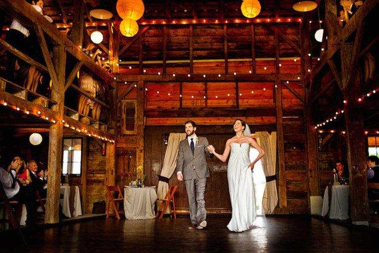 Top Barn Wedding Venues | New York - Rustic Weddings