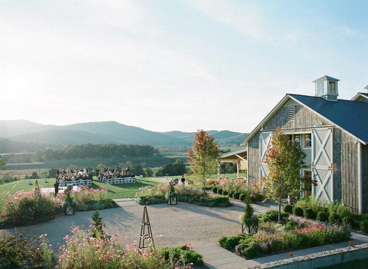 virginia-barn-wedding-venue-pippin-farm-vineyard