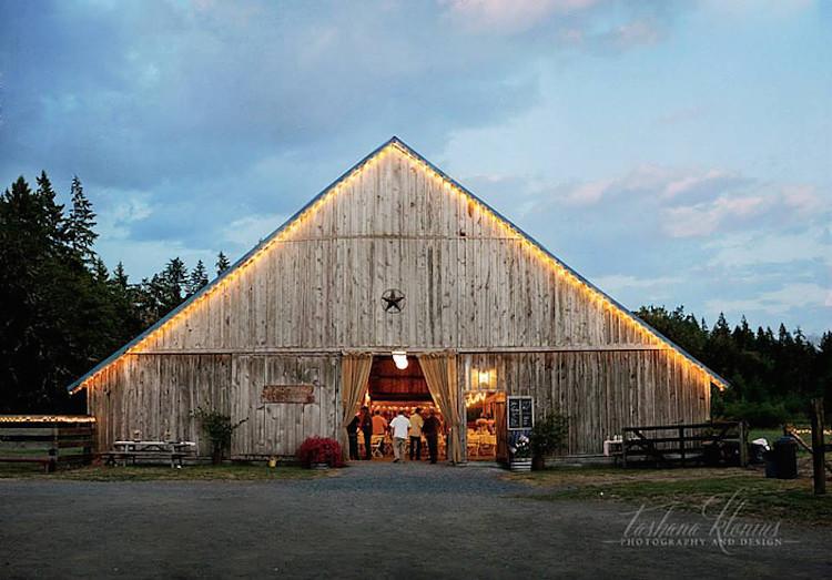 Top Barn Wedding Venues | Washington - Rustic Weddings