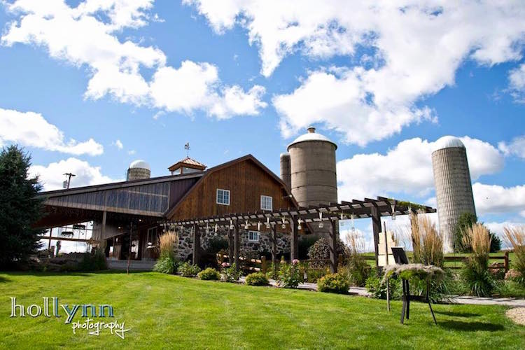 Wisconsin Barn Wedding Venue Cedar Hill Farm1