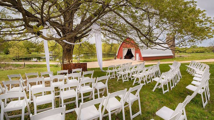 Top Barn Wedding Venues | Wisconsin - Rustic Weddings