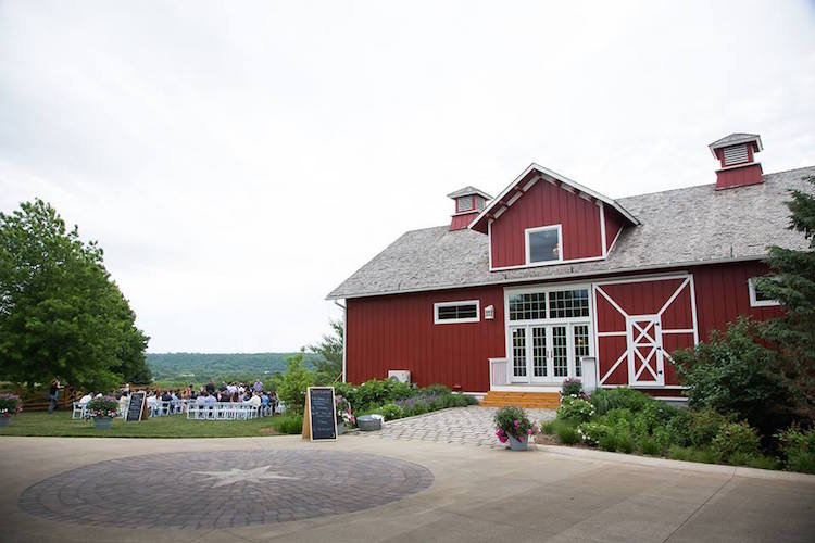 Top Barn Wedding Venues | Iowa - Rustic Weddings