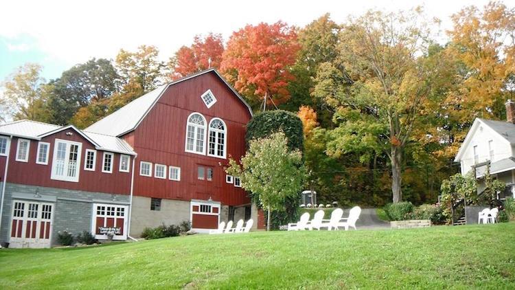 Top Barn Wedding Venues Michigan Rustic Weddings