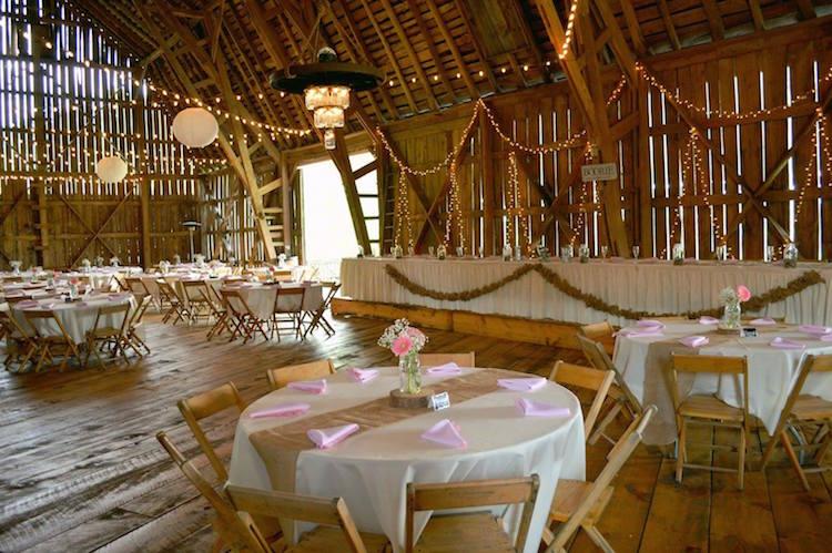 Top Barn Wedding Venues | Michigan - Rustic Weddings