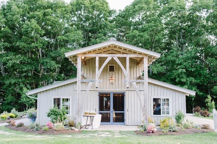 Top Barn Wedding Venues | Maine - Rustic Weddings